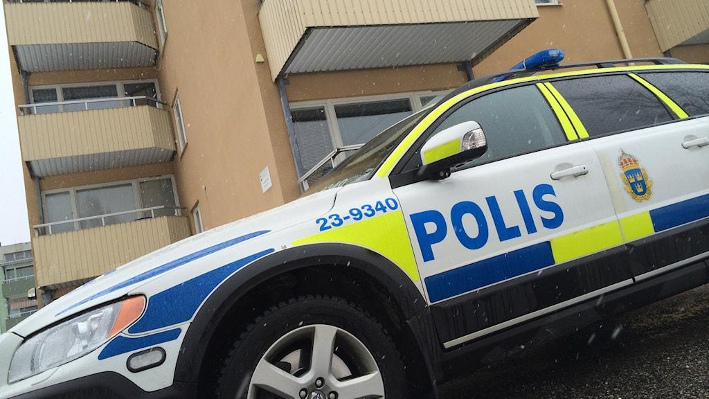 Polis vid asylboende