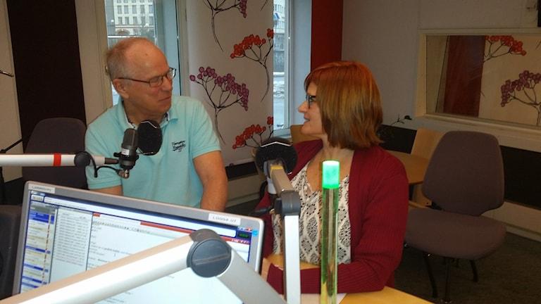 Lars-Erik Hulldin och Marianne Christiansen debatterar översvämningen i Hallsberg