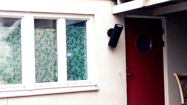 Skotthål i fönster Vivalla