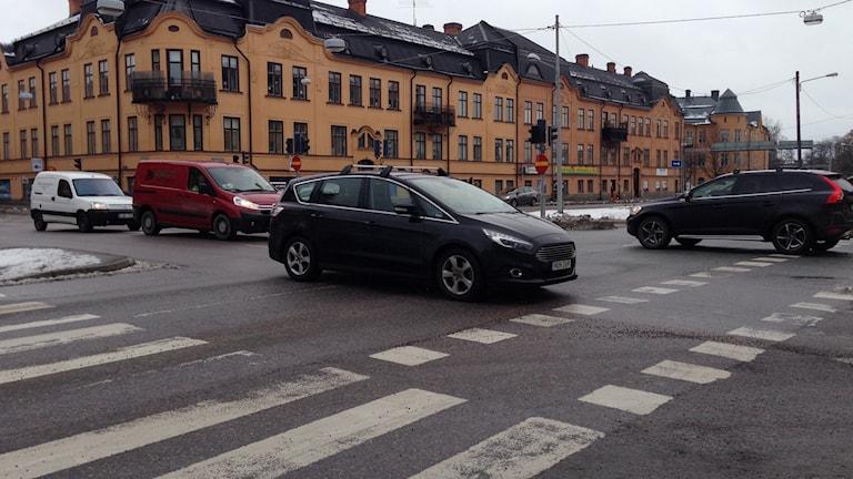 Korsningen Hertig Karls Allé - Karlsundsgatan i Örebro.