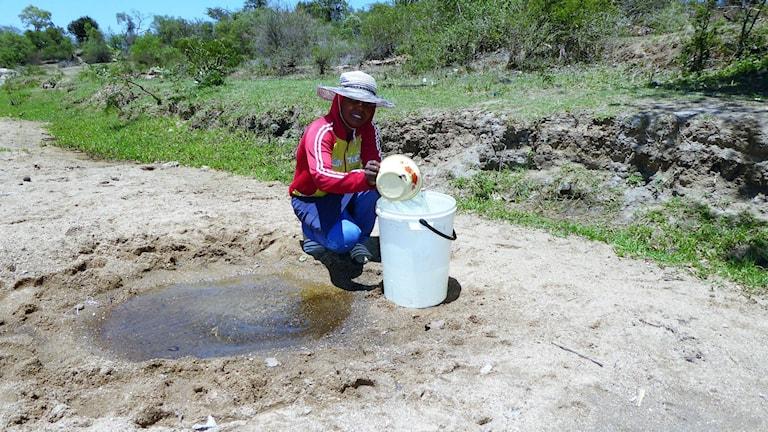 Extrem torka har gjort att många byar inte har tillgång till vatten.