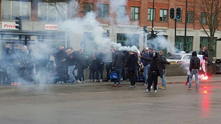 Redan under lördagen anlände Djurgårdssupportrar till Örebro inför söndagens match mot ÖSK.