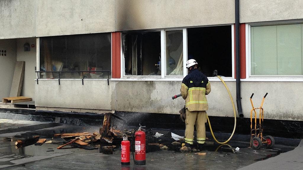 Det har brunnit i en lägenhet på Tunnbindargränd i Örebro.