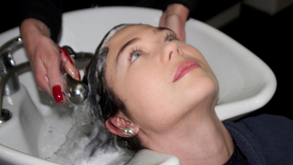 Alexandra Bergqvist klipper sig med jämna mellanrum hos frisören Kattiz Nylander.