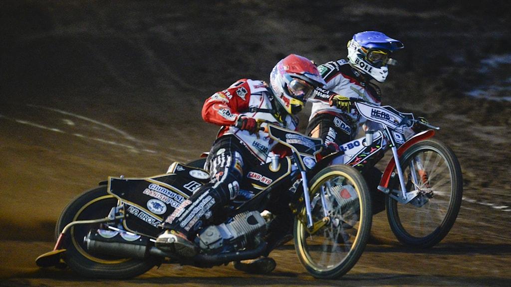 2 Indianförare leder i Speedway match