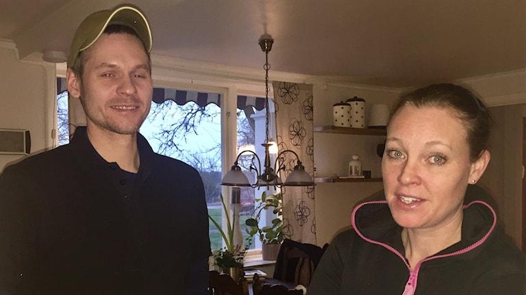 Stefan och Måna Hultquist i Tångeråsa är fortfarande missnöjda med dotterns skolskjuts.