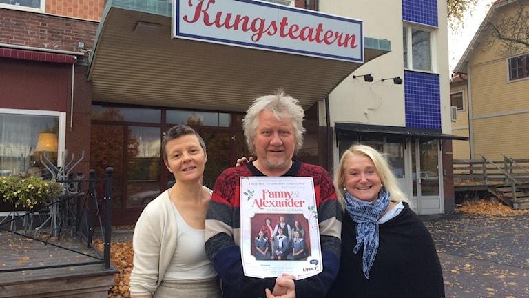 Gunilla Orvelius ger regi, Peter Krantz spelar Isak Jacobi och Eva Dällerud spelar farmor.