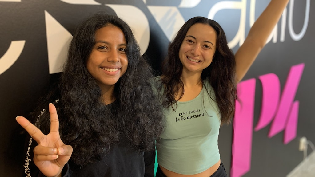 Bild på Yasnia Deras Cruz och Caroline Tonojan som är en del utav #kodayoga.