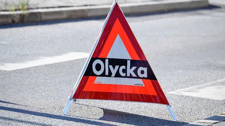 Trafickolycka med två allvarligt skadade norr om Hallsberg.