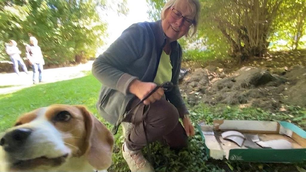 Kristin med sin hund Beageln Peggy