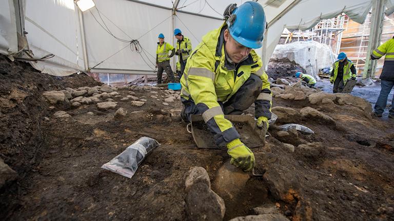 Kumla kommun får betala nästan tre miljoner kronor för utgrävningar vid Älvesta vid Hällabrottet. Bilden är tagen vid en annan utgrävning.