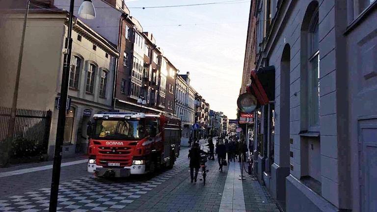 Flera butiker fick stänga i centrala Örebro -- och på Köpmangatan stannade hissar som fick brandkåren att rycka ut.