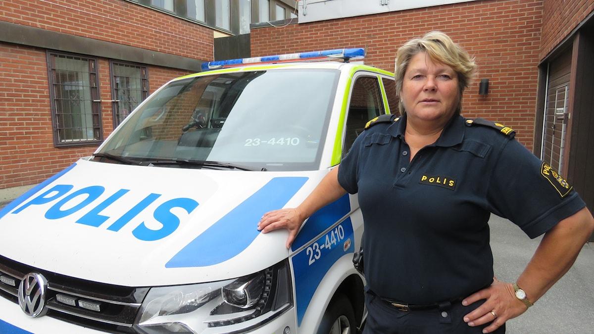 Irene Rosell, kommunpolis, polisbil, Kumla
