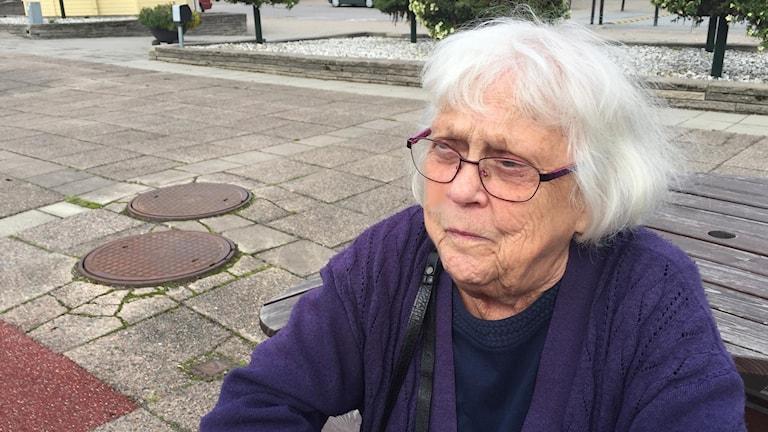 Maj-Britt Persson i Hasselfors tycker inte att det lockar med lägenheter centralt i Laxå.