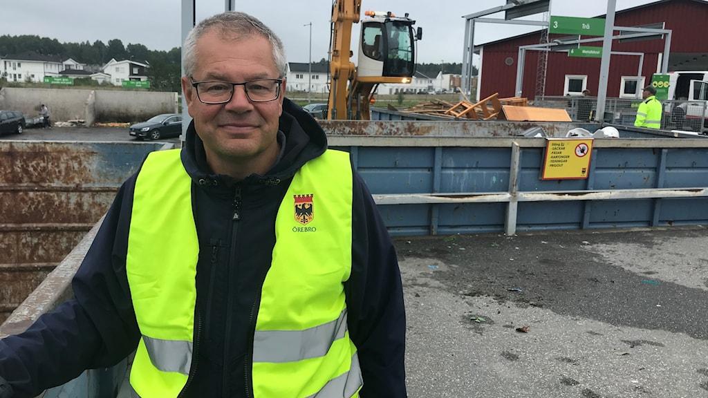 Frank Tholfsson på återvinningscentralen i Mellringe