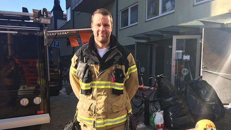 Insatsledare Henrik Askblom vid branden.