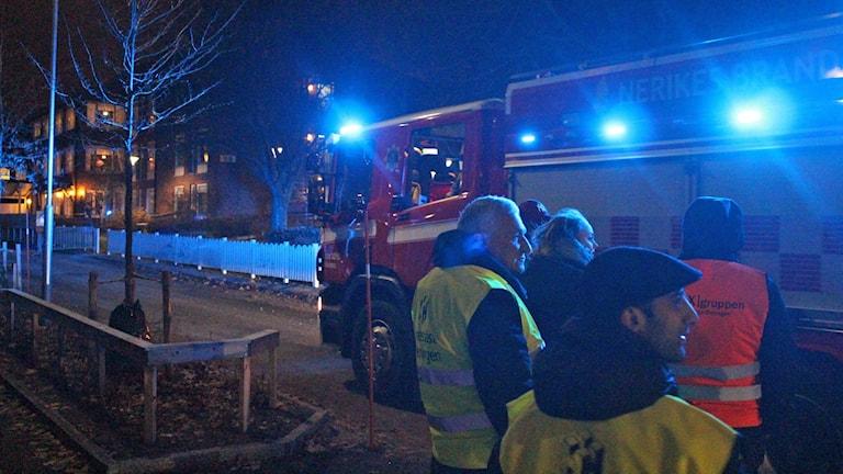 Nattvandrarna möter räddningstjänsten.