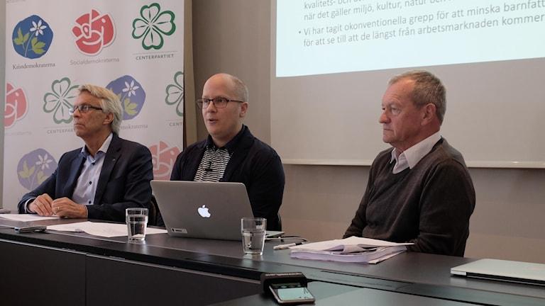 Lennart Bondeson (KD), Kenneth Nilsson (S) och Lars Johansson (C)