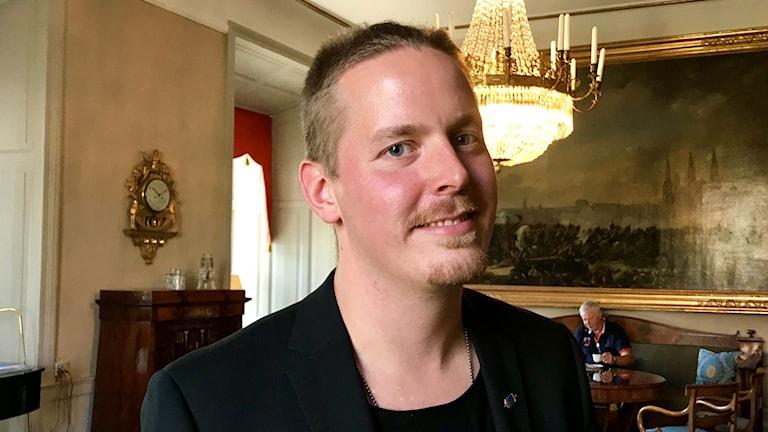 Johan Fernquist är forskare på Totalförsvarets forskningsinstitut, FOI