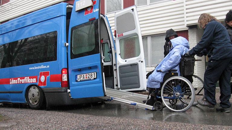 Fortfarande besvärligt med färdtjänst. Foto: Andreas Morén/SR Örebro.