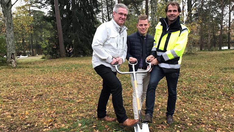 Rickard Erhard - Vd för Degerforsbyggen (mitten), Stefan Andersson - VD bra bygg AB (höger), Peter Pedersen - kommun fullmäktige (vänster)