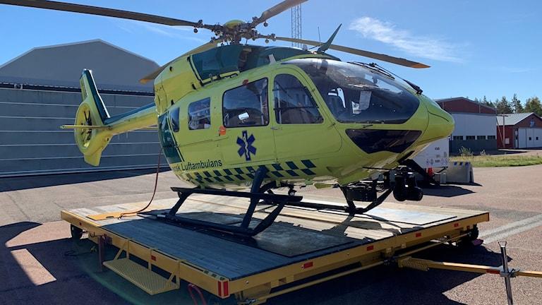 Ambulanshelikopter i Karlstad, en vanlig avgångsort för helikoptrarna som färdas till USÖ.