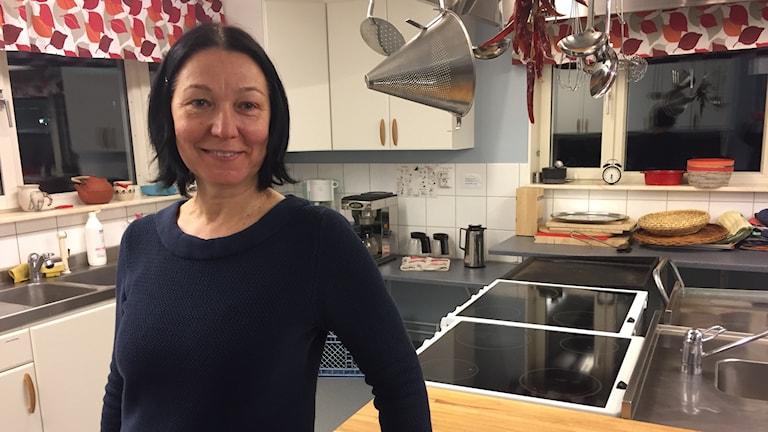 Sladjana Radic i det gemensamma köket.
