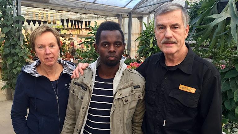 Wiveca Ottosson är idag som en mamma för Robert Kayongo som ska lämna landet på onsdag enligt beslut. Även Roberts arbetsgivare Leif Olander är engagerad i kampen.