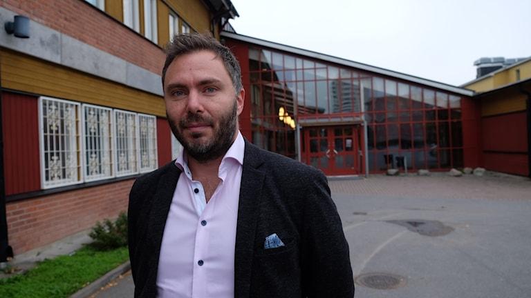 Robin Anstensen är rektor för F-3 på Vivallaskolan.