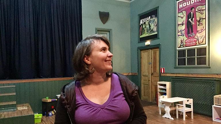 Emma Svensson trivs i sin egen teater.