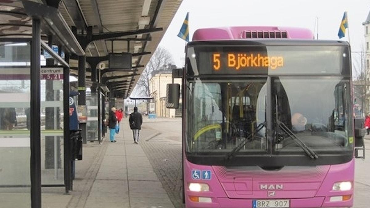 Bussarna i Örebro flaggade av misstag.