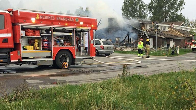 Firefighters battle the blaze in Örebro's Vivalla.