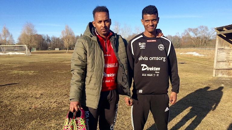 Abdelhamid Idris och spelaren Majid.