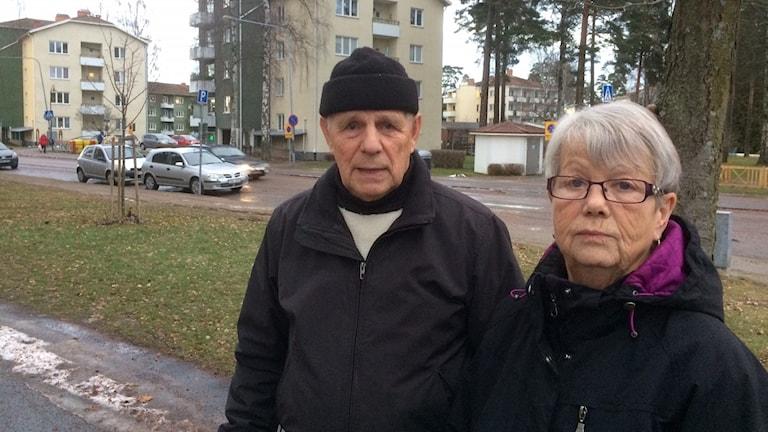 Osmo Renfors och Kristina Cederberg bor båda i Kumla Bostäder. Foto: Marie Hansson/Sveriges Radio.