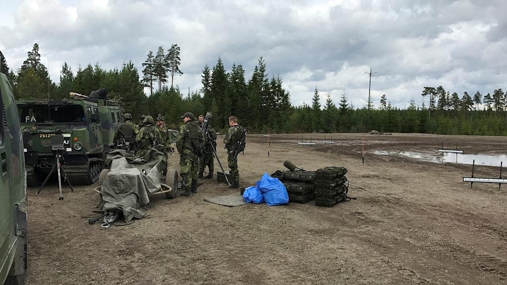 Övning på skjutfältet i Villingsberg.