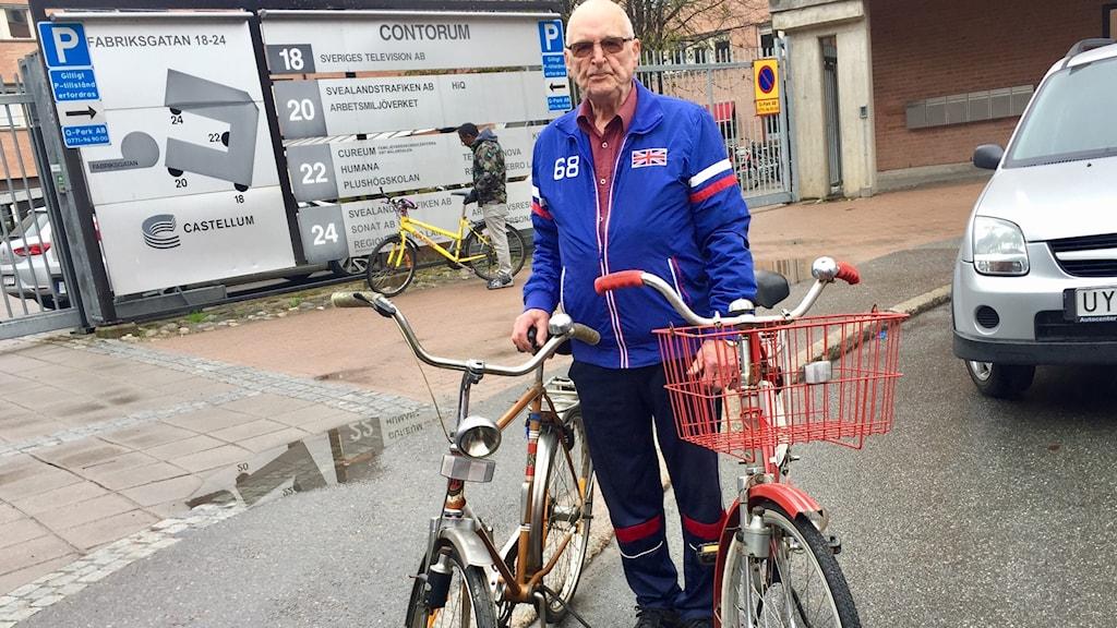 Börje Karlsson, 85, säljer sina sista cyklar.