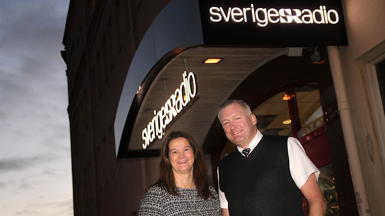 Pia Engwall, Know-it, och Magnus Pojen, McDonalds Örebro, utanför radiohuset i Örebro.