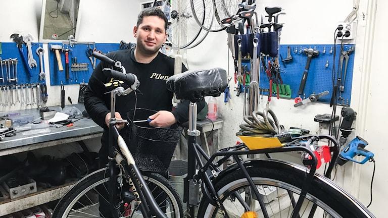 Gabriel Chammoun, cykelhandlare i Örebro.