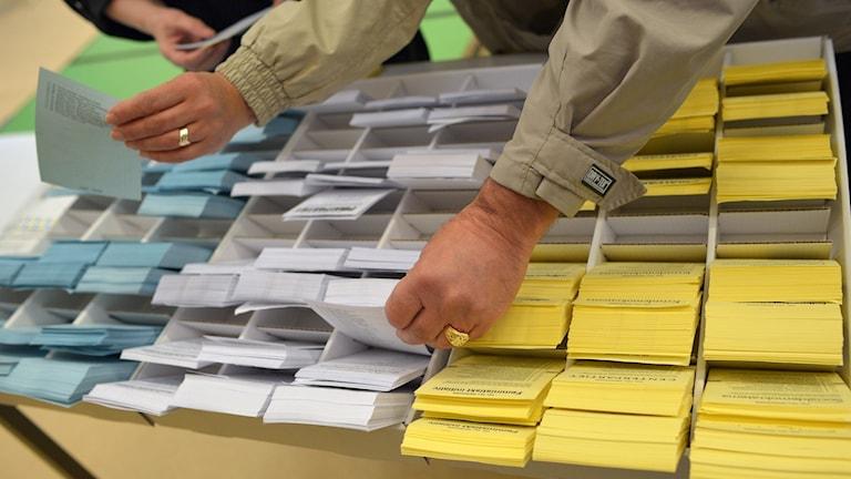 عدد بطاقات التصويت التي أرسلت من السويد قد ازداد بنحو 18 ألف