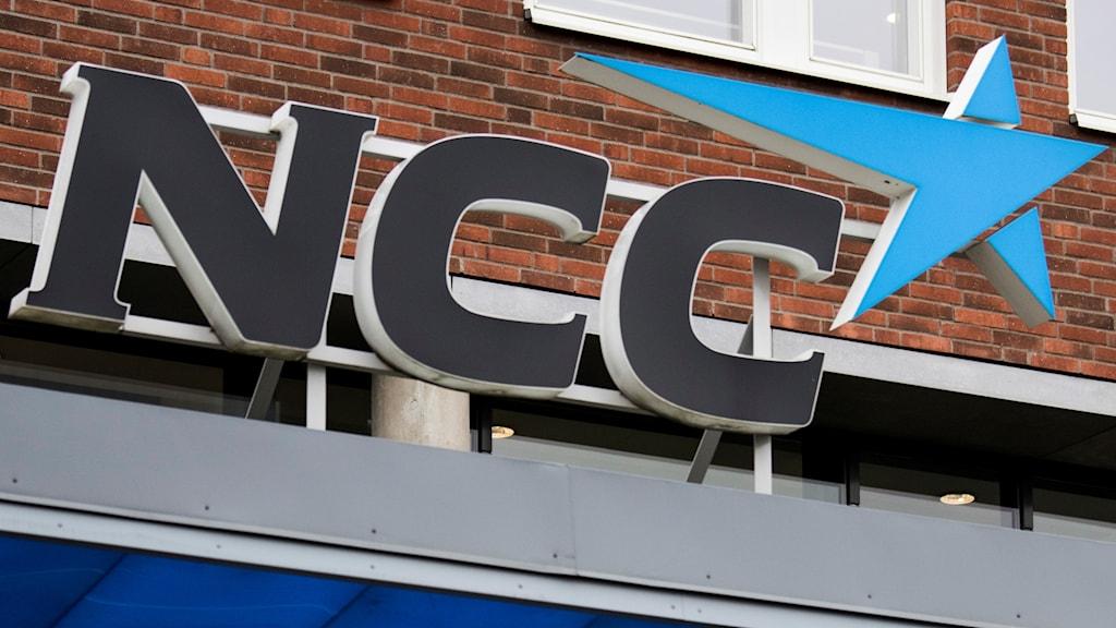 NCC tror att de kan vinna i rätten mot Örebro kommun.