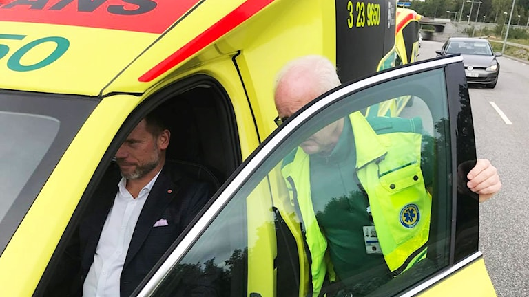 Pressträff om den nya ambulansstationen som ska byggas vid Berglundaområdet.