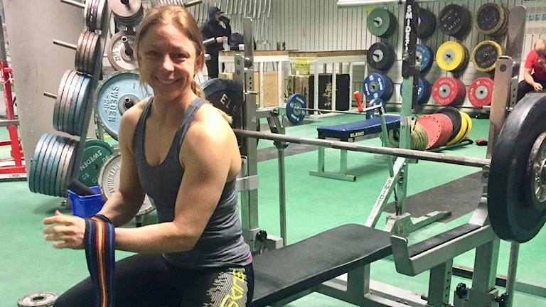 Karolina Arvidson i Örebro är världsmästare i bänkpress.