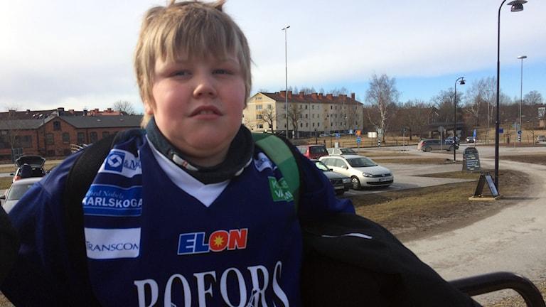 Supportern Kevin tror på vinst för BIK Karlskoga mot AIK.