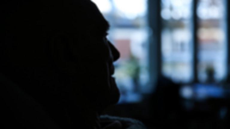 Många äldre som bor på särskilt boende lider av ensamet.