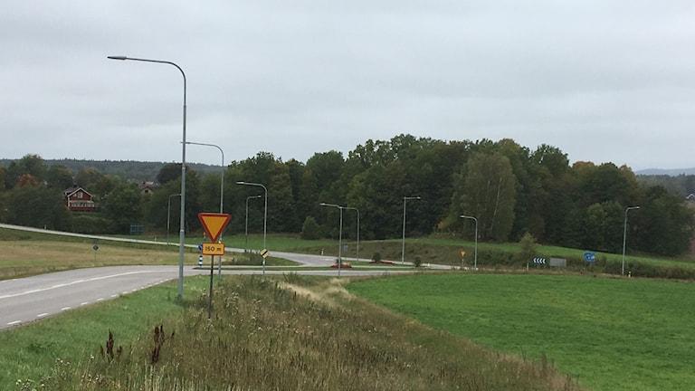 Korsning väg 204 och södra infarten till Fjugesta.