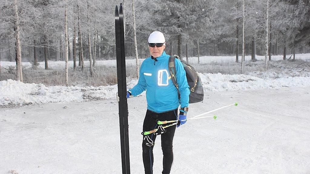 Åke Elnäs från Kumla tränar skidåkning inför Vasaloppet