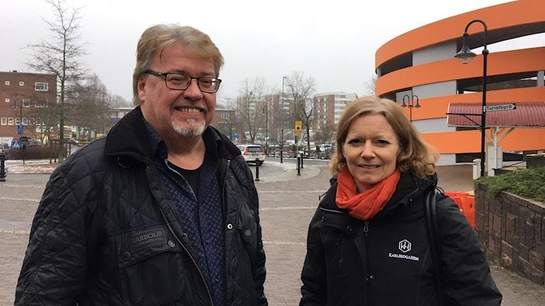 Bosse Björk, samhällsplaneringschef och Ann Hermansson Alm, vd för Karlskogahem.