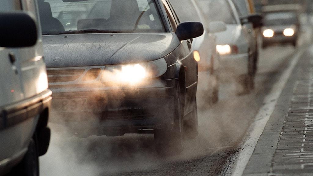 Bilden visar biltrafik.