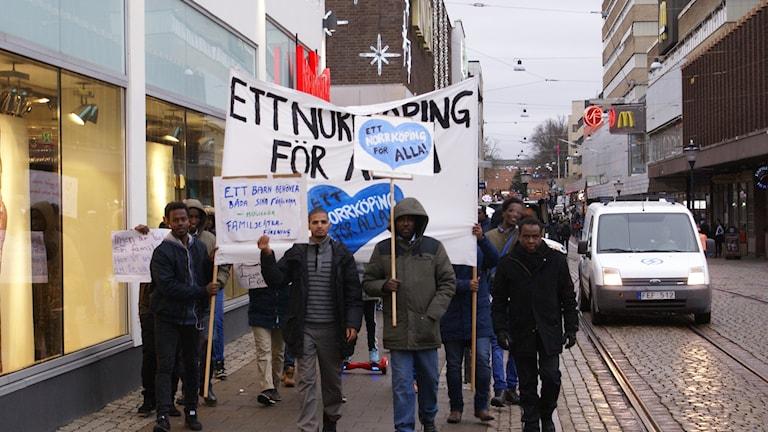 Somalier i Norrköping i protest mot regler för anhöriginvandring