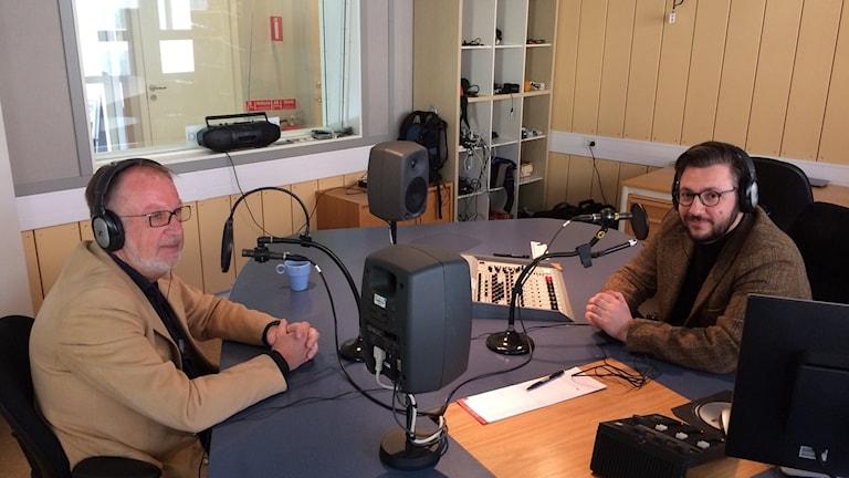 Jan Österlind (S), ordförande i Stångåstadens styrelse och Muharrem Demirok (C), kommunalråd i Linköping i vår Linköpingsstudio.
